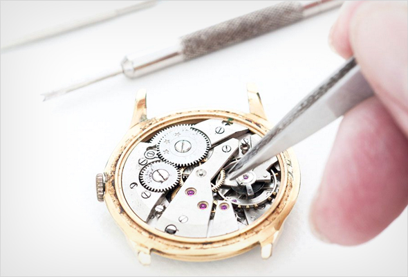 We repair broken watches and jewelry - Danielson Connecticut